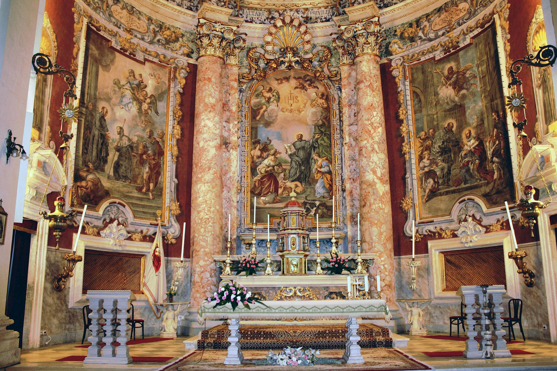 Crkva sv Ignacija interijer